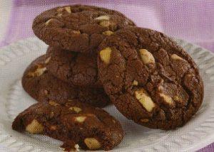 beyaz-cikolatali-ve-findikli-kurabiye