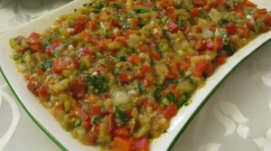 kozlenmis-biber-ve-domatesli-patlican-salatasi