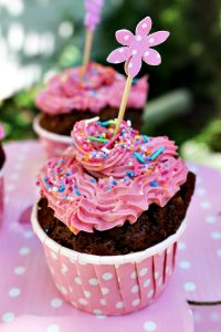 orman-meyveli-cupcake