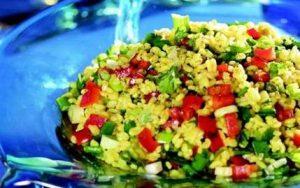 sebzeli-bulgur-salatasi-tarifi-salata-tarifleri