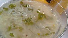 Tavuk Suyuna Tel Şehriye Çorbası Tarifi – Çorba Tarifleri