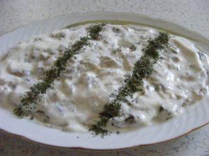 yogurtlu-kozlenmis-patlican-salatasi-tarifi-salata-tarifleri