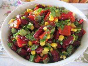 meksika-fasulyeli-semizotu-salatasi