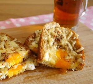 kasarli-yumurtali-ekmek