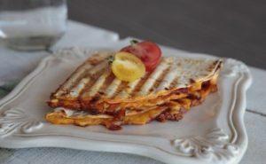 lavas-tostu-tarifi-aperatif-tarifler