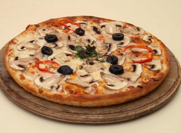 Sucuklu Mantarlı Pizza Tarifi – Pizza Tarifleri