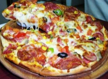 6 Dakikada Pizza Tarifi