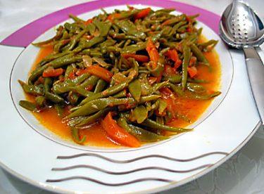 Zeytin Yağlı Taze Fasulye Tarifi – Sebze Yemekleri