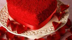 Kırmızı Kalpli Pasta Tarifi
