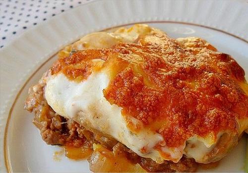 besamel-soslu-mantarli-patatesli-oturtma-tarifi
