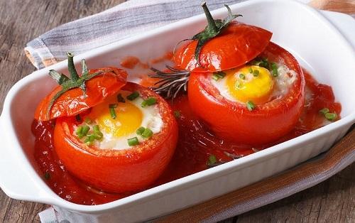 domatesli-yumurta-yuvasi-tarifi