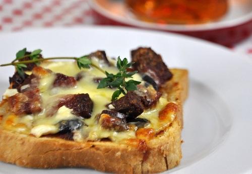 kahvaltilik-minik-pizza-tarifi