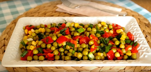 kolay-bezelye-salatasi-tarifi