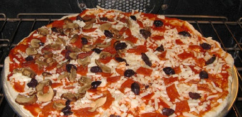 karisik-kolay-pizza-tarifi